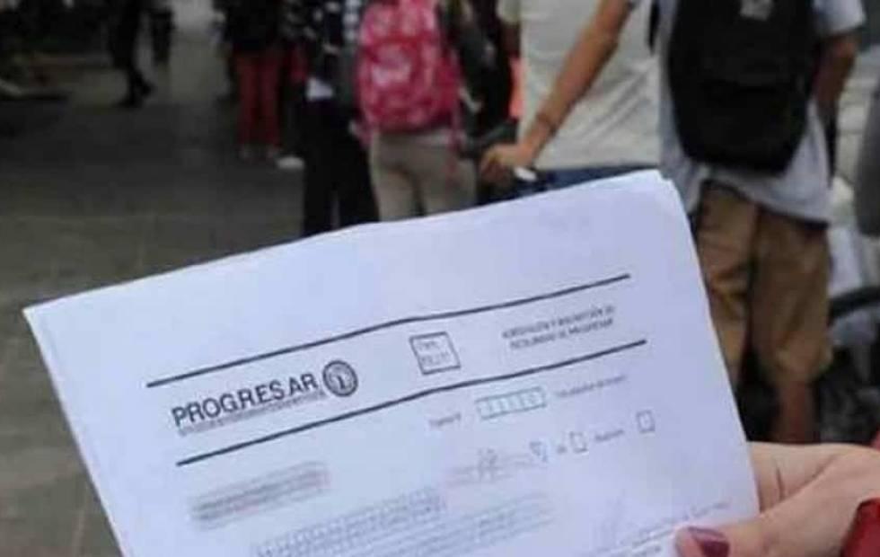 El Gobierno abrió una nueva inscripción a las Becas Progresar