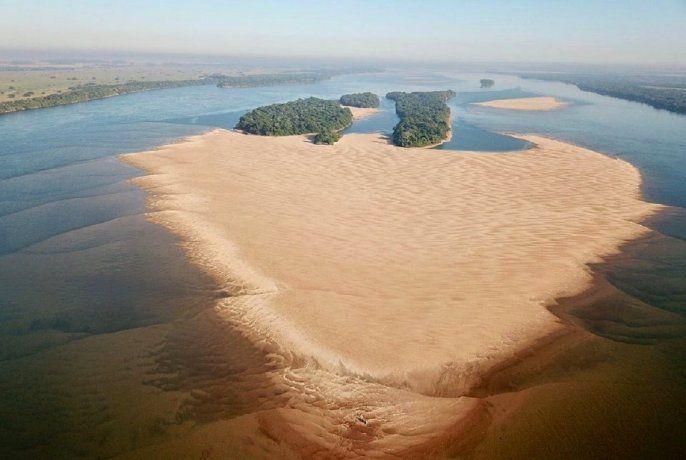 El 60 % de las tomas de agua de la región tuvieron problemas por la bajante del río